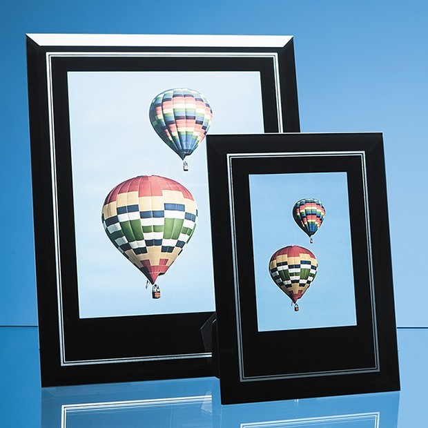 """Black Surround with Silver Inlay Glass Frame for 4"""" x 6"""" Portrait Photo"""